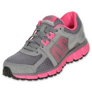 Nike Women's Dual Fusion ST2 Running Shoe